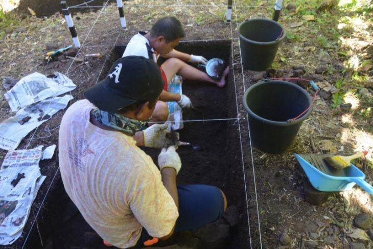 Arkeolog teliti potensi peninggalan megalitikum di Malut