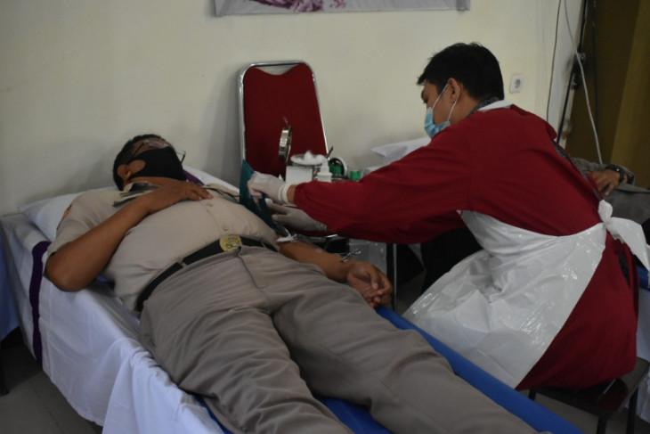 Sambut Hari Bhayangkara, Polda Kalbar sumbang 110 kantong darah