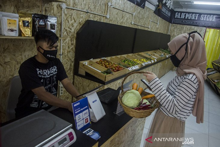 Toko sayuran santri di Bandung