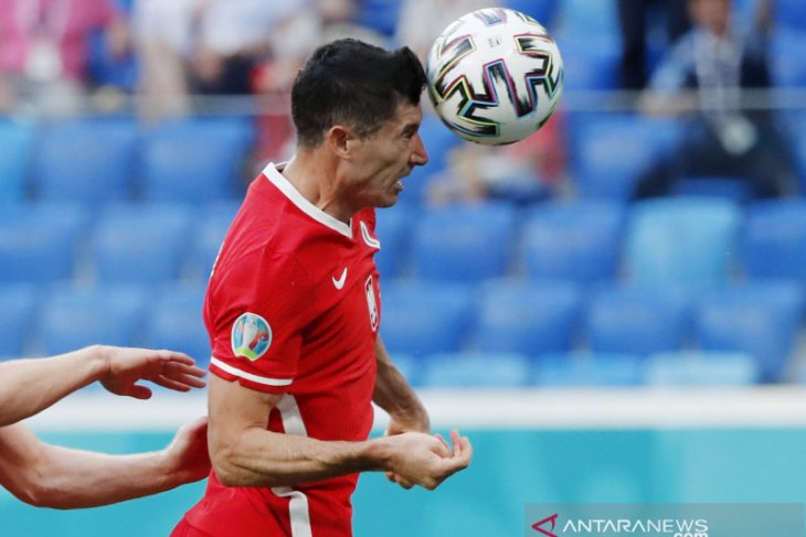 Lewandowski sulit terima kenyataan Polandia tersingkir di Euro 2020