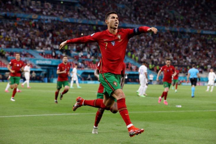 Melihat momen penting 16 tim yang lolos ke fase gugur Euro 2020