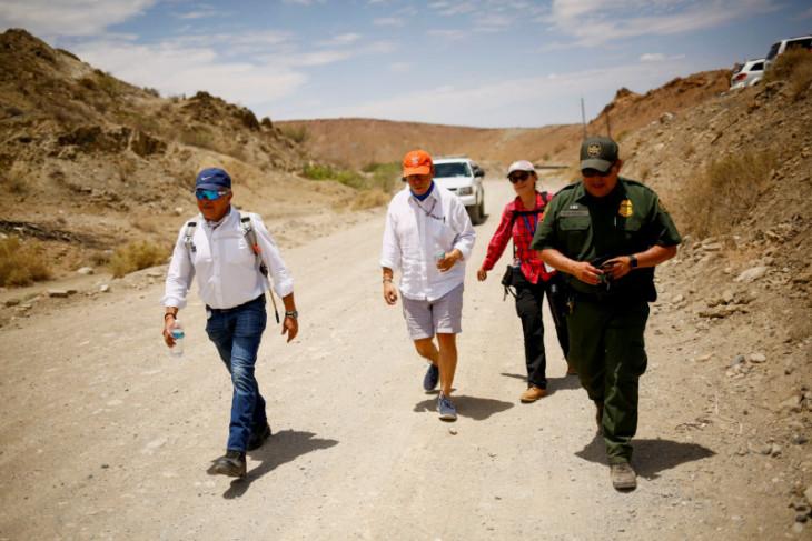 AS perluas pembatasan perjalanan di perbatasan Meksiko, Kanada