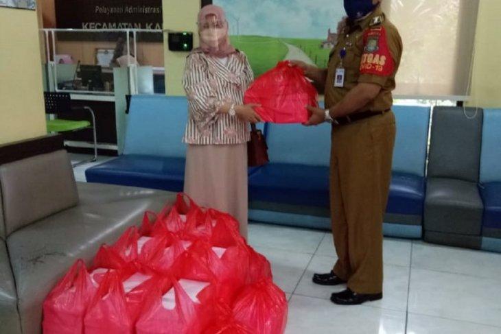 Pemkot Tangerang salurkan paket makanan ke warga jalani isolasi mandiri