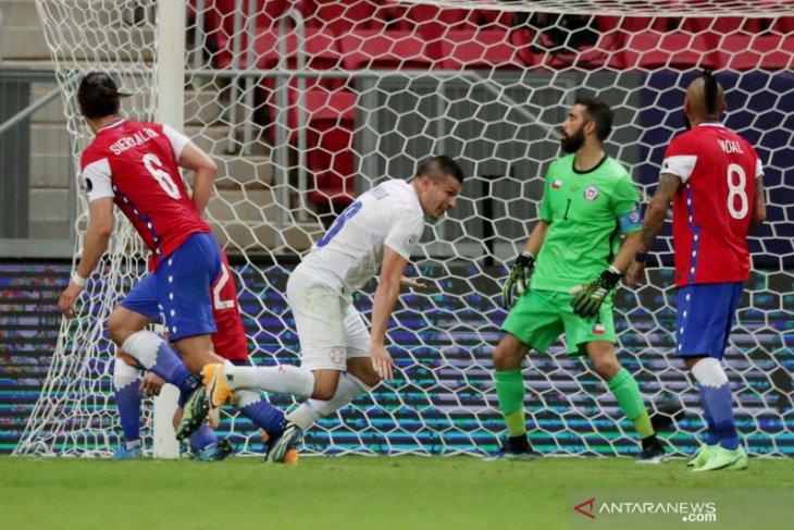Paraguay tumbangkan Chile dua  gol tanpa balas