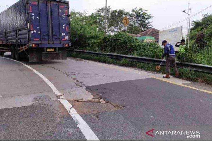 Jasa Marga rekonstruksi Simpang Susun Karawang Barat Tol Jakarta-Cikampek