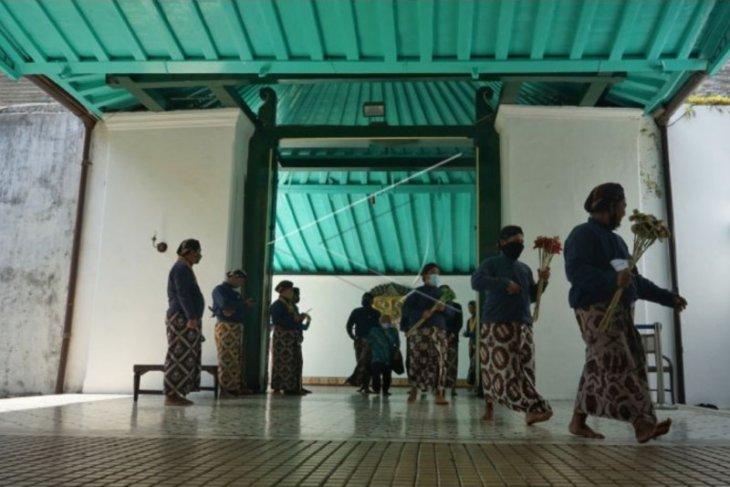 Sultan HB X  tutup sementara Wisata Keraton Yogyakarta