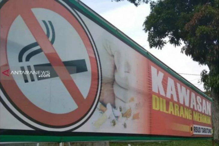 Negara maju berhasil turunkan angka prevelensi perokok