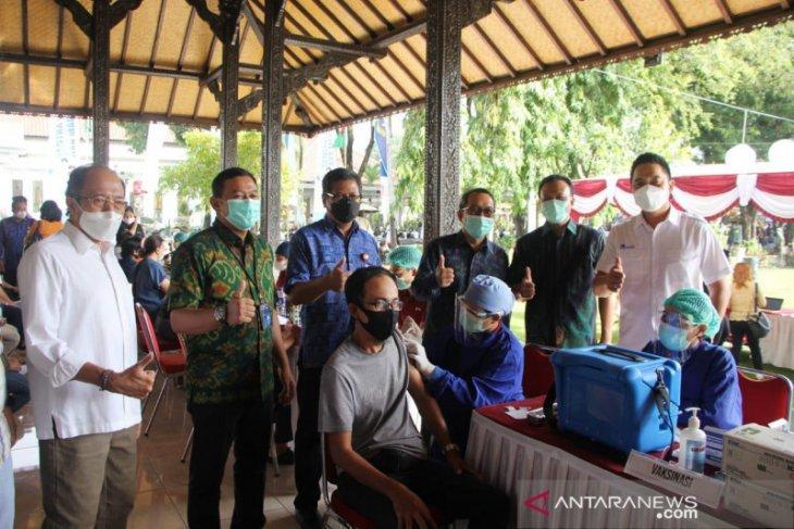 Sekda Bali apresiasi kontribusi perbankan percepat vaksinasi