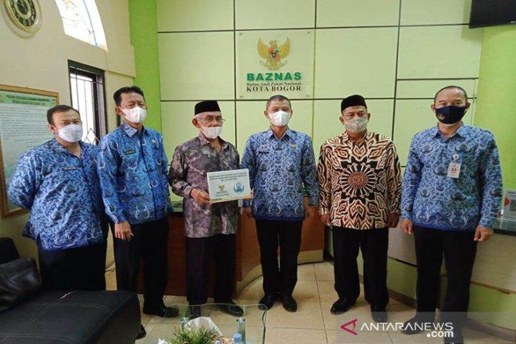 Bogor mengaji membimbing warga bisa baca Al-Quran