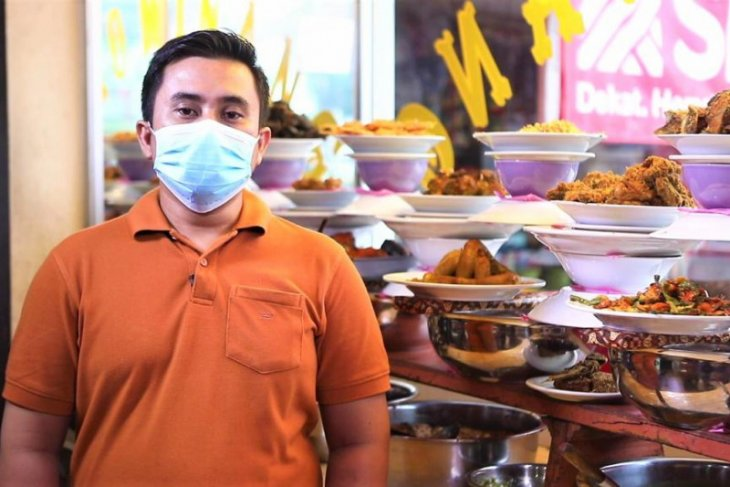 Pemilik Rumah Makan Padang Trio terbantu oleh Bank DKI