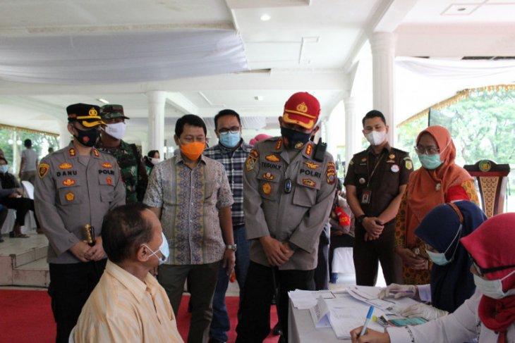 5.216 warga Langkat divaksin HUT Bhayangkara ke-75