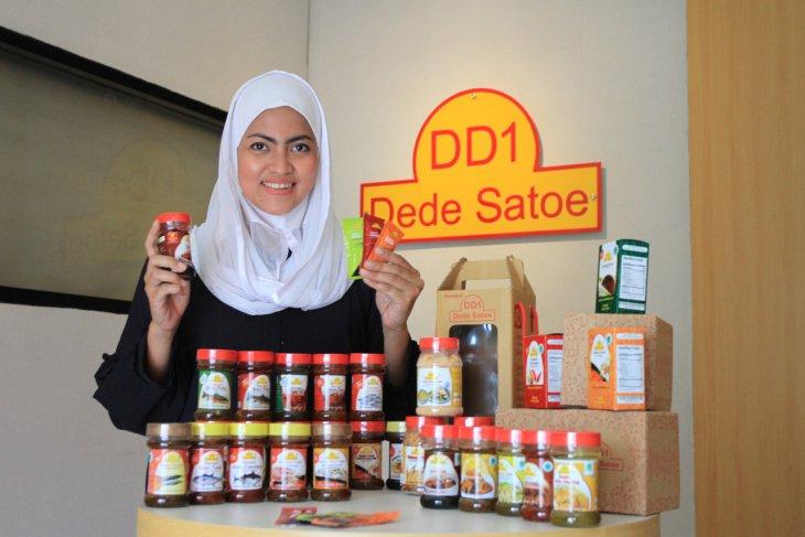 Dede Satoe, UMKM mitra binaan SIG ekspor 2.160 botol sambal
