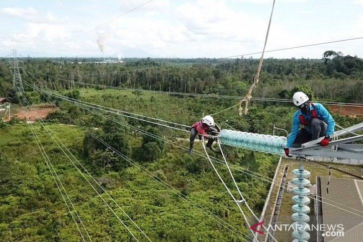 Transmisi 150 kV Sekadau -- Sintang dalam proses penarikan kabel