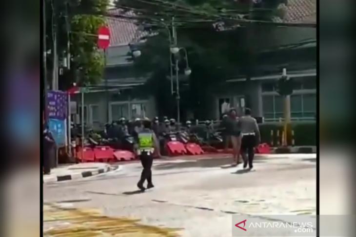 Aksi pemotor terobos blokade di Bandung berbuntut panjang, ini kata polisi