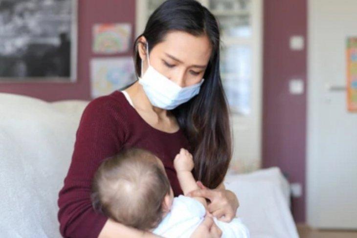 Cara aman beri ASI saat ibu atau bayi terpapar  COVID-19