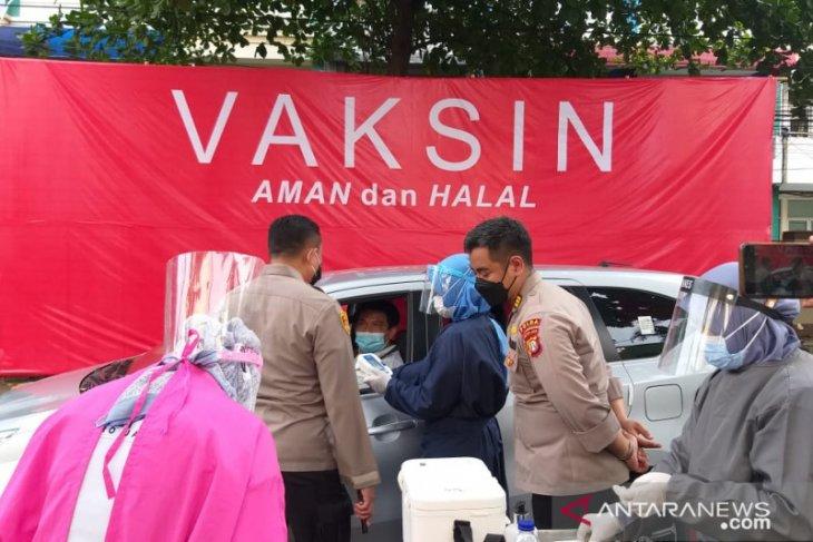 Indonesia masuk 10 besar negara dengan penyuntikkan vaksin terbanyak di dunia
