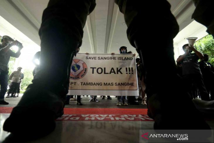 KLHK perintahkan hentikan penambangan emas tanpa izin di Sulawesi Utara