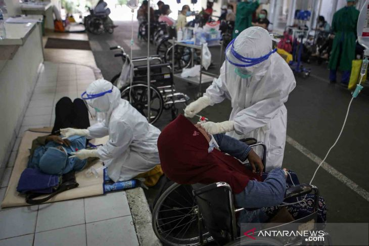 COVID-19: Govt to test 324,283 people daily during emergency PPKM