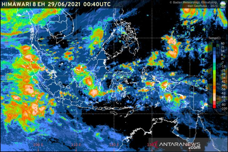 BMKG: Waspadai potensi hujan lebat serta angin kencang di Indonesia
