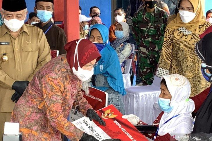 Mensos Risma ungkap dugaan penyalahgunaan bansos di Kabupaten Malang
