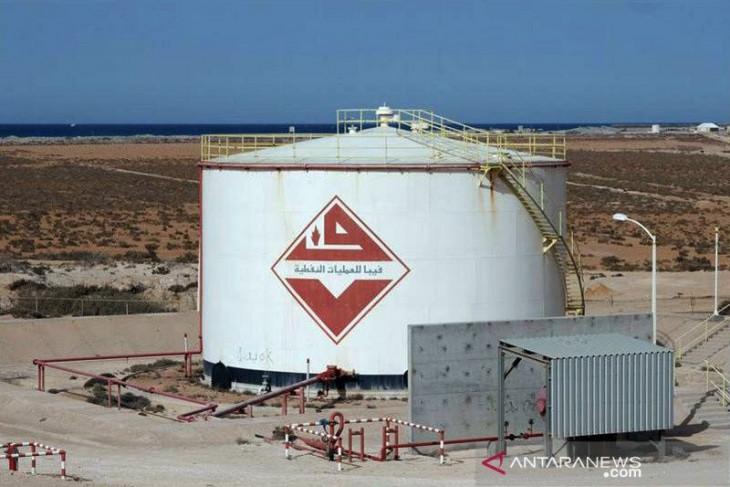 Harga minyak jatuh setelah kenaikan beruntun 3 hari