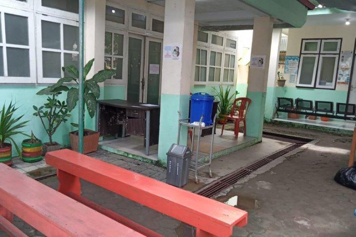 Waduh Tiga fasilitas kesehatan di Ambon ditutup sementara karena petugasnya tertular COVID-19