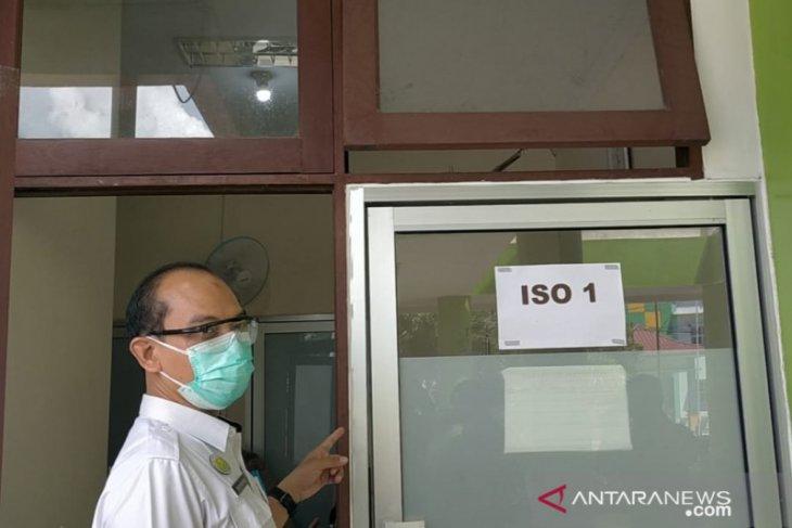 Ruang isolasi untuk pasien COVID-19 di RSUD Singkawang penuh
