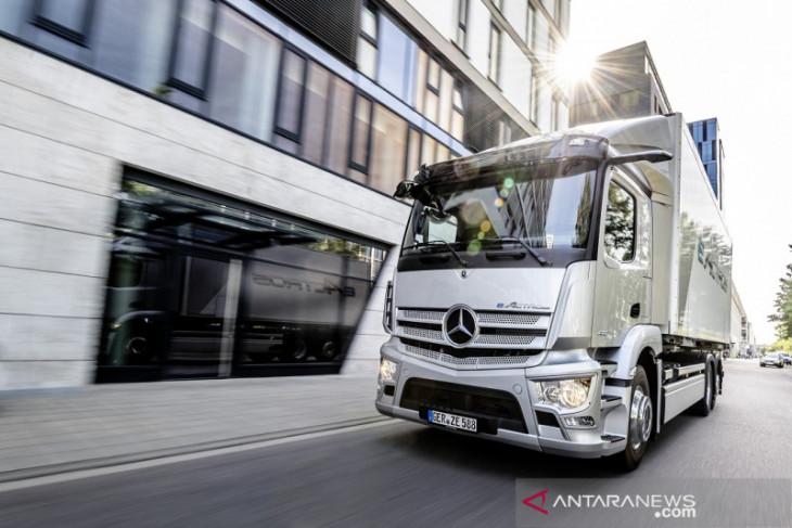 Truk listrik Mercedes-Benz  eActros resmi diluncurkan