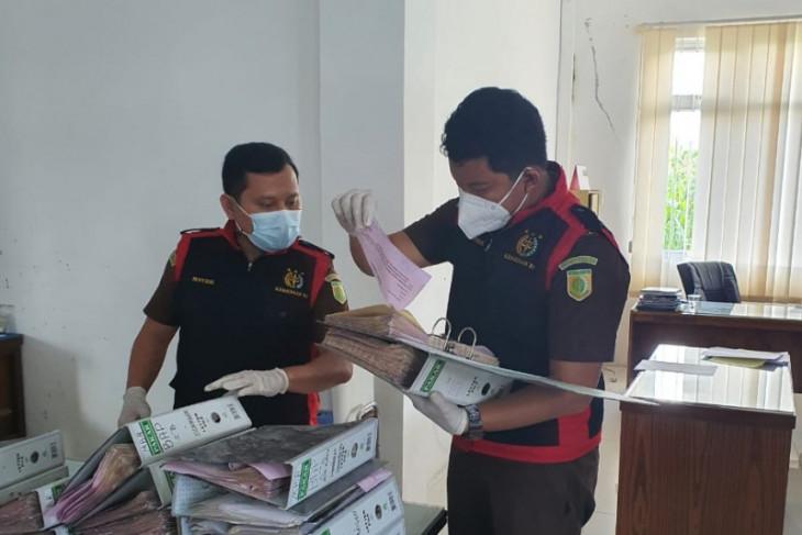 Kejati Sumut geledah kantor PDAM  Tirta Lihou Simalungun