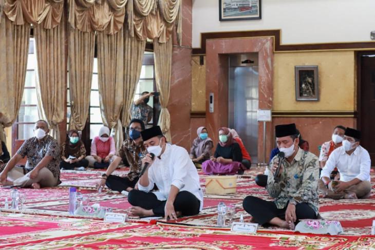 Pemkot Surabaya gelar istighatsah dan doa bersama hadapi pandemi COVID-19