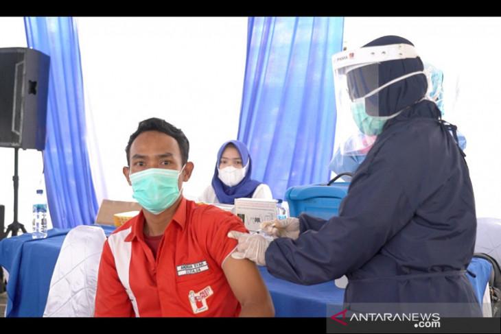 Pertamina turut sukseskan program 1 juta 1 hari waksinisasi di fuel terminal Lahat
