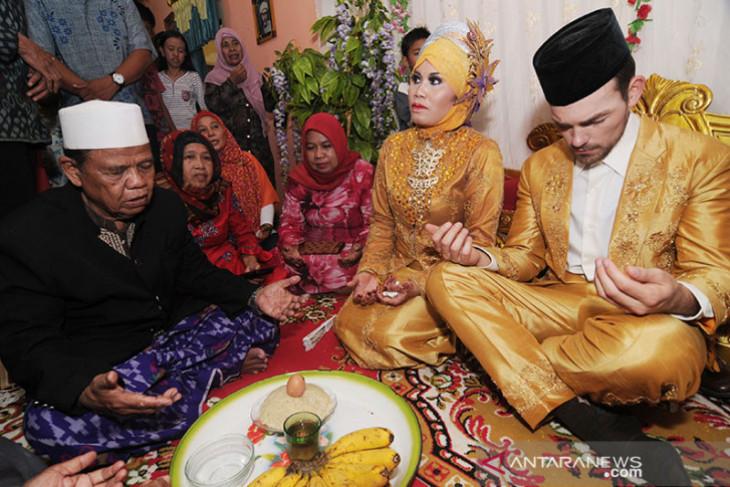 Problematika perkawinan campuran WNI danWNA