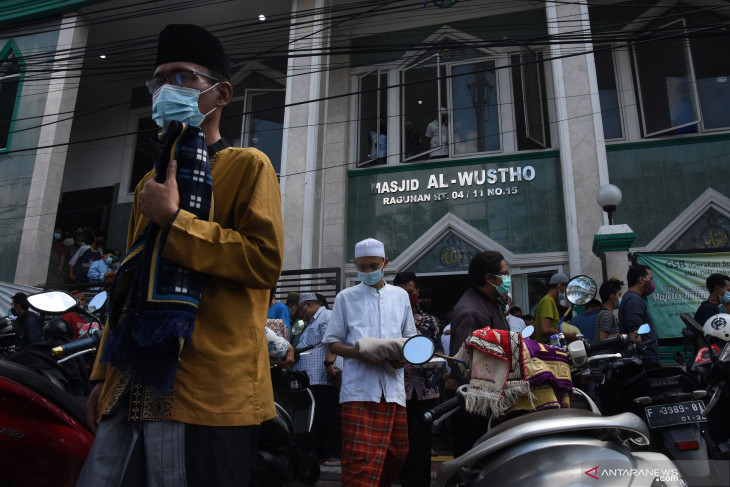 Jakarta allows 50-pct capacity at religious places during level-3 PPKM