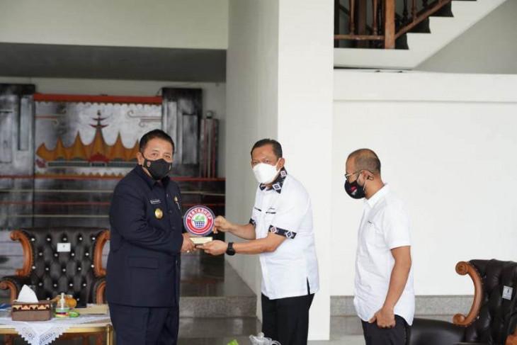 Dukung program pertashop, Gubernur Lampung terima penghargaan dari Pertamina