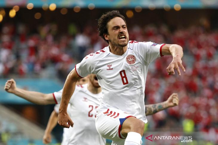 Sevilla kontrak gelandang Denmark Thomas Delaney