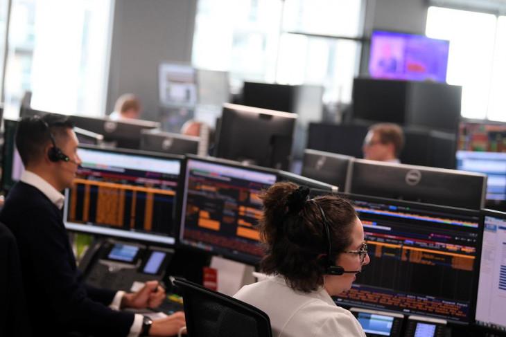 Saham Inggris merosot, Indeks FTSE 100  berakhir turun 0,03 persen