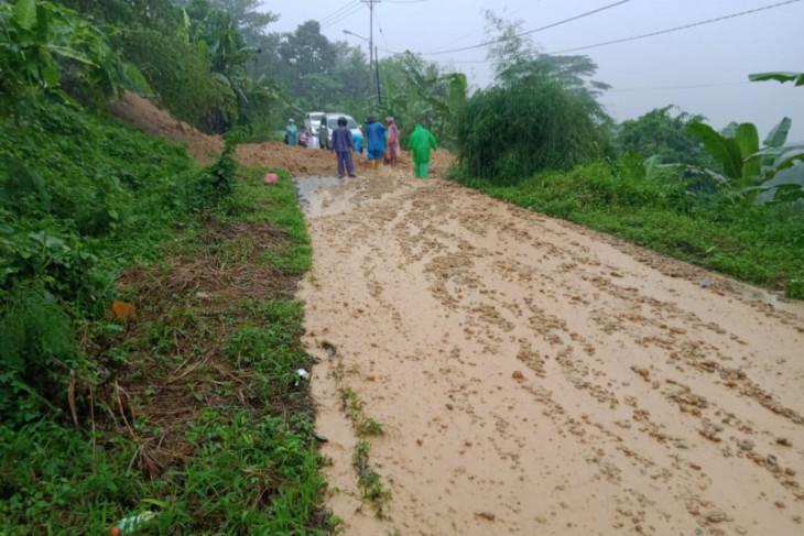 BMKG imbau warga di Maluku waspadai cuaca ekstrem antisipasi musibah