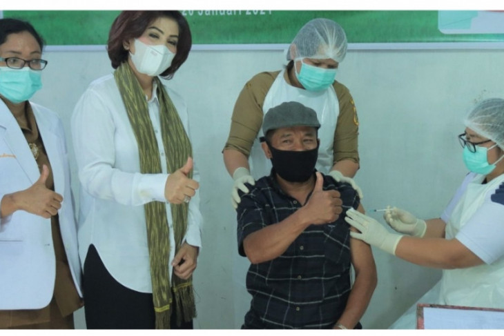 Ketua PKK Dairi: Vaksinasi agar masyarakat khususnya lansia terhindar dari COVID-19