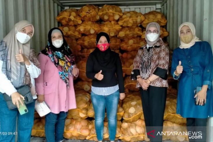 Bone Bolango ekspor kopra putih ke India