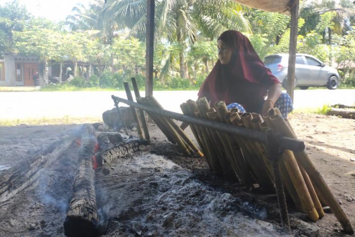 Tradisi masak leumang lebaran di Abdya masih terjaga