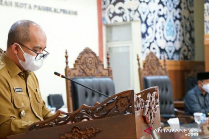 Walikota Pangkalpinang Sampaikan Raperda Pertanggungjawaban Pelaksanaan APBD