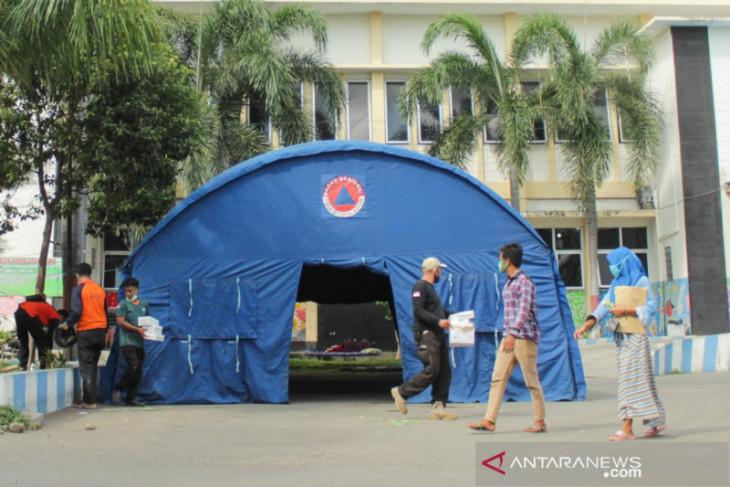 Antisipasi lonjakan COVID-19, RSUD dr. Abdoer Rahem Situbondo dirikan tenda darurat