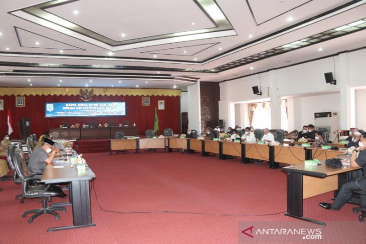 Rapat kerja DPRD HSS dan TAPD susun renja SKPD tahun 2022