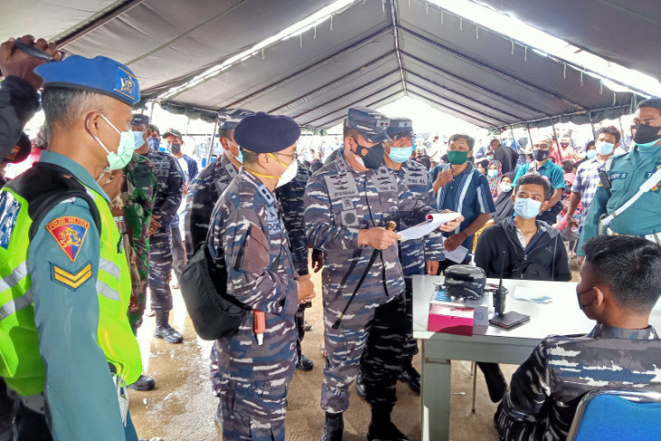 Indonesian Navy vaccinates 1,000 residents in West Papua's Sorong