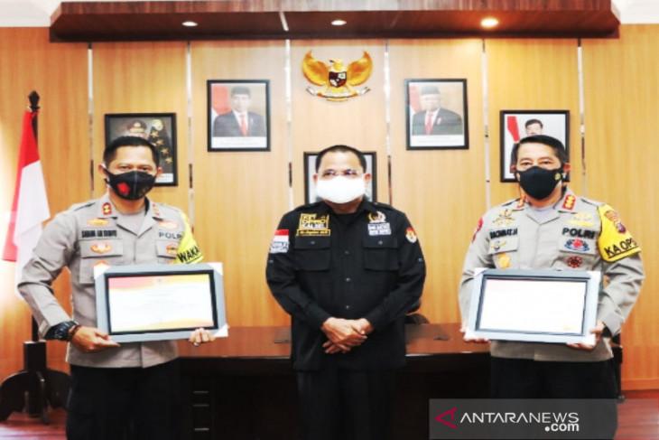 Kapolresta dan Wakapolresta Banjarmasin dapat penghargaan ungkap kasus narkoba