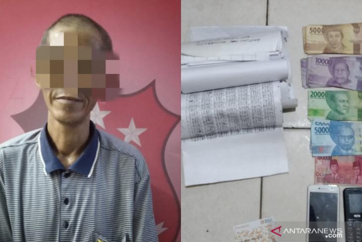 Kakek dari Barabai ini ditangkap karena jualan togel online