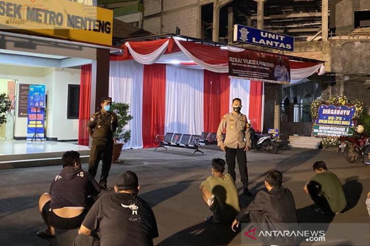 Polda Metro Jaya tetapkan 70 tersangka dan segel 34 kantor langgar PPKM
