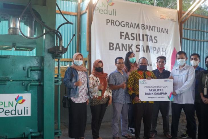 PLN berikan bantuan fasilitas bank sampah di Sanggau