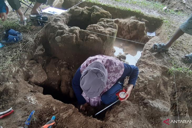Arkeolog temukan keping uang kuno di Benteng Kota Mas Kwandang