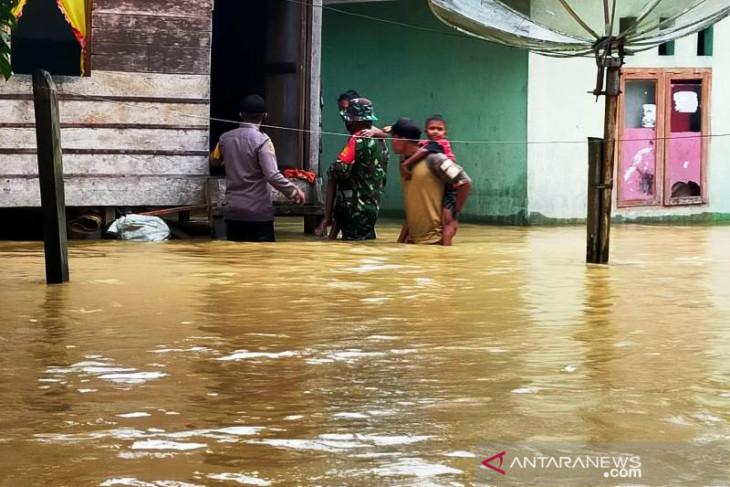 Banjir rendam 16 desa di Aceh Selatan, ribuan warga terdampak